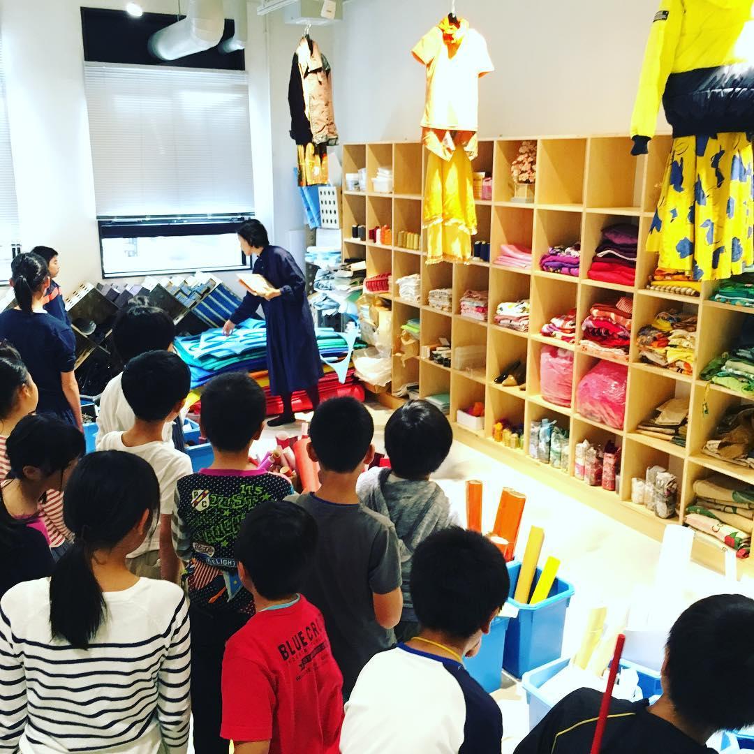 こどもSOZOプロジェクトのスペースを見学! いろんな素材がきれいに整理された様子を見てみます。#ちびっこうべ #ちびっこうべ2016 #KIITO #こどものまち #ワークショップ #神戸 #kid