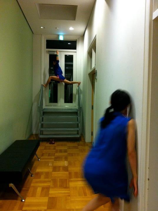 +クリエイティブワークショップ  建築とコンタクト 〜ダンスで巡るKIITOの旅〜